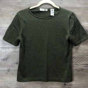 LORD AND TAYLOR DARK GREEN SS WOOL SWEATER